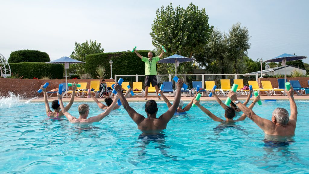 photo camping cote plage saint jean de monts vendee aquagym